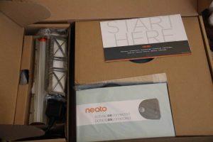 Saugroboter Neato Verpackungsinhalt